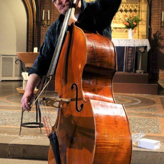 Alexander Suslin, kontrabassist og improvisasjonsmusiker