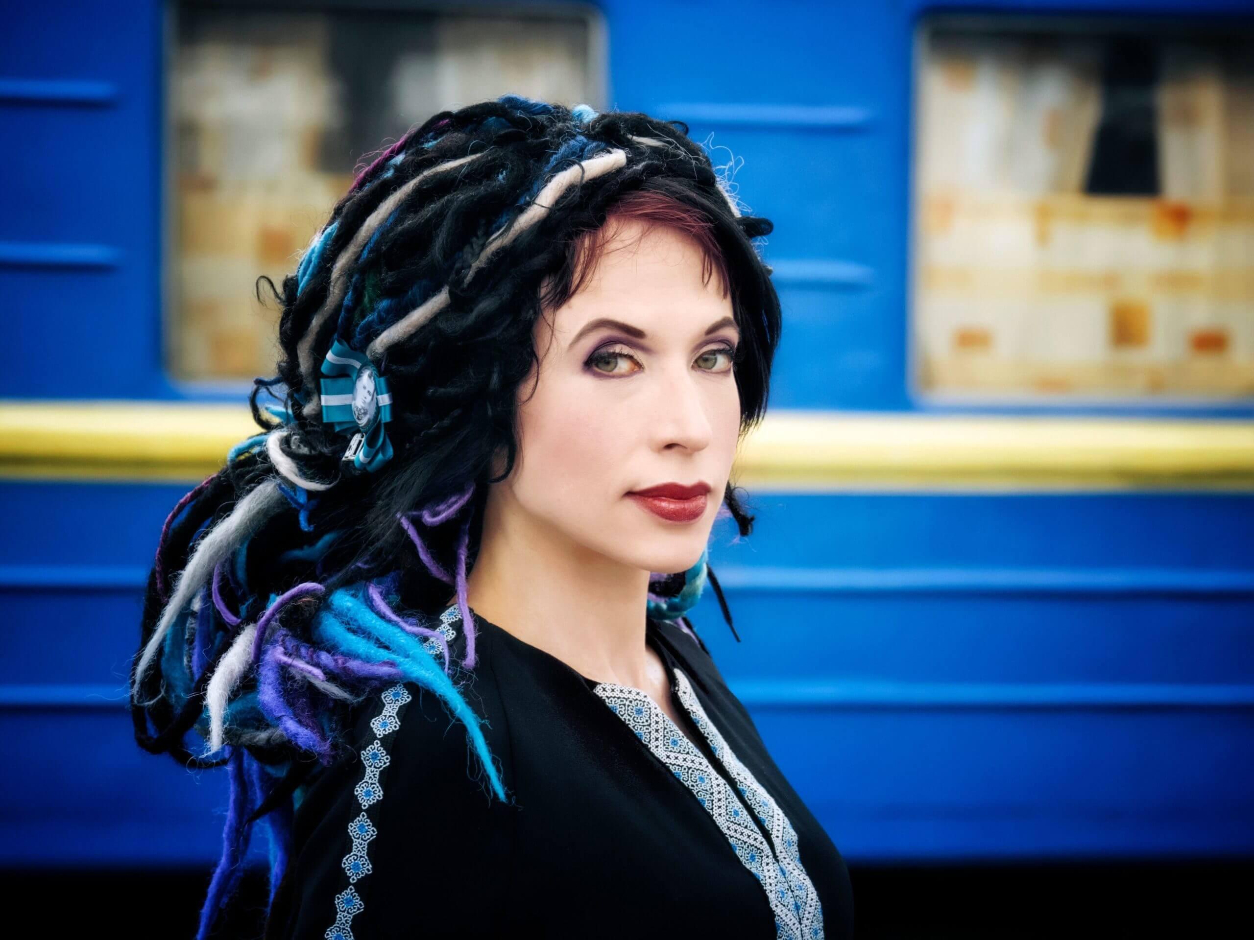 Den finsk-estiske forfatteren Sofi Oksanen har skrevet librettoen til Saariahos nye opera. Foto: Toni Härkönen